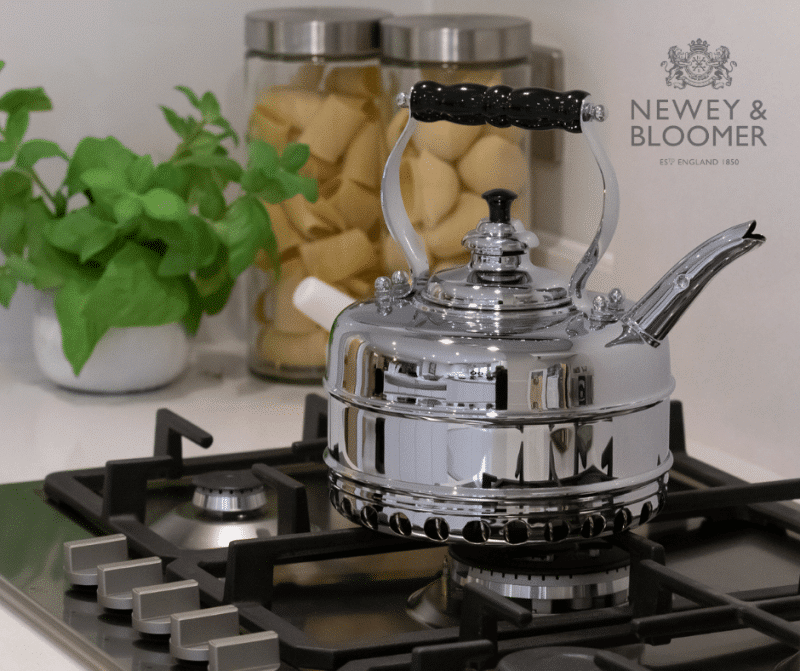Simplex Kettles by Newey & Bloomer - Simplex Buckingham -  Perfect for use on gas stoves - Made in Britain